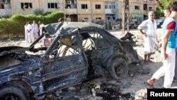 25일 이라크 바쿠바시에서 발생한 차량폭탄 공격 현장.