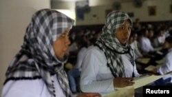 Buruh migran dari Indonesia bersiap berangkat ke negara-negara Timur Tengah.