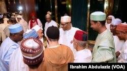 Shugabannin darikar Tijjaniya da Shugaba Buhari a fadarsa