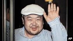 북한 김정은 노동당 위원장의 이복 형이자, 김정일 국방위원장의 첫째 아들 김정남. 지난 2010년 6월 마카오에서 한국 언론과 인터뷰할 당시 사진.