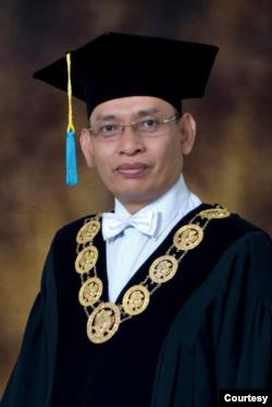Rektor Unair Mohammad Nasih. (Foto: unair.ac.id)