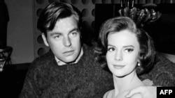 Натали Вуд и ее муж Роберт Вагнер. 1959 год.