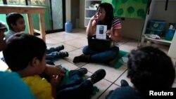 Một lớp học kết hợp điều trị cho trẻ tự kỷ ở thành phố Guatemala, ngày 13/3/2014.