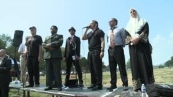Small 9/11 Protests Highlight Anti-War and Anti-Obama Sentiment
