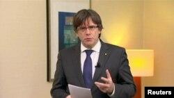Карлес Пучдемон закликає до звільнення членів «законного уряду Каталонії»