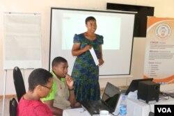 Omunye walabo abethulele intathelizindaba ngegcikwane leHIV.