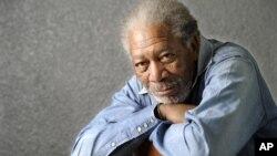 """Forbes destaca el papel de Freeman como Dios en """"Todopoderoso"""": """"¿Cómo podrías no creerle a alguien en un rol como ése?""""."""