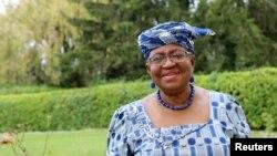 資料照片:恩戈齊·奧孔喬-伊維拉在位於日內瓦的尼日利亞外交官邸外。 (2020年9月29日)