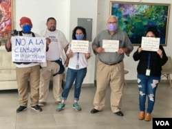FILE - Nicaraguan journalists protest at the end of a press conference and after an attack on reporters, Oct. 20, 2020. (Image Credit: Houston Castillo)