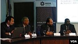 La presentación del estudio de viabilidad se hizo en la Dirección Nacional de Telecomunicaciones.
