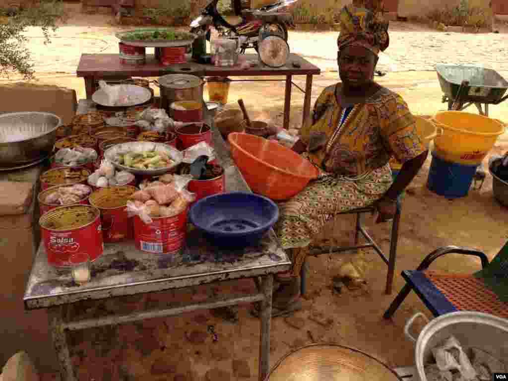 Hawa Doumbia, une vendeuse