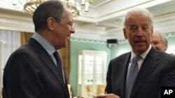 Сергей Лавров и Джо Байден (фото из архива)