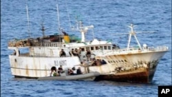 Un bateau transportant des réfugiés et migrants somaliens près de l'ille de Suhavo à Cabo Delgado.