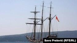 Brod Jadran (arhiva RFE/RL)