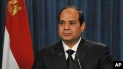 埃及總統塞西此前發表電視講話,誓言對斬首事件做出反應,並將此次屠殺稱作'可恥的恐怖主義行為'。