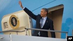 Presiden AS Barack Obama meninggalkan Australia untuk kembali ke Washington DC (16/11).