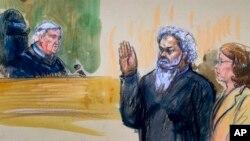 Gambar pembacaan dakwaan terhadap tersangka teroris Ahmed Abu Khatallah (kanan) didampingi pengacaranya Michelle Peterson (28/6).