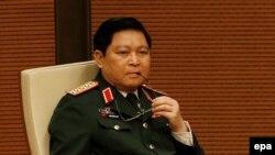Tân Bộ trưởng Quốc phòng Việt Nam Ngô Xuân Lịch.