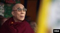 Dalai Lama pada acara perayaan ulang tahun pemberontakan rakyat Tibet terhadap Tiongkok, di Dharmsala, India, Kamis (10/3).