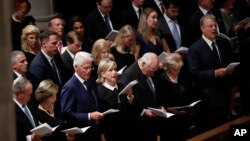 Antigos Presidentes na Cerimónia Fúnebre de John McCain na Catedral de Washington