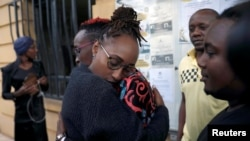 Bamwe mu bakobwa bakundana bahuje ibitsina muri Kenya