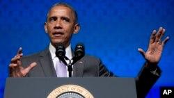 El mandatario defendió la ley en un discurso a la conferencia de la Asociación Católica de la Salud en Washington.