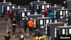 Rano glasanje na biračkim mestima u Atlanti, 12. oktobar 2020. (Rojters/Chris Aluka Berry)