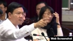 Vietnam's transport minister Dinh La Thang has directly criticized a Chinese contractor for its incapable management that led to deadly incidents at a key railway project in the capital Hanoi.