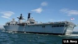 Tàu HMS Albion của Hải quân Hoàng gia Anh.