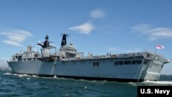英国皇家海军海神之子号两栖战舰2018年6月访问日本横须贺港美军基地(美国海军照片)