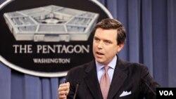 Juru Bicara Pentagon Geoff Morrell memberi pernyataan kepada wartawan.