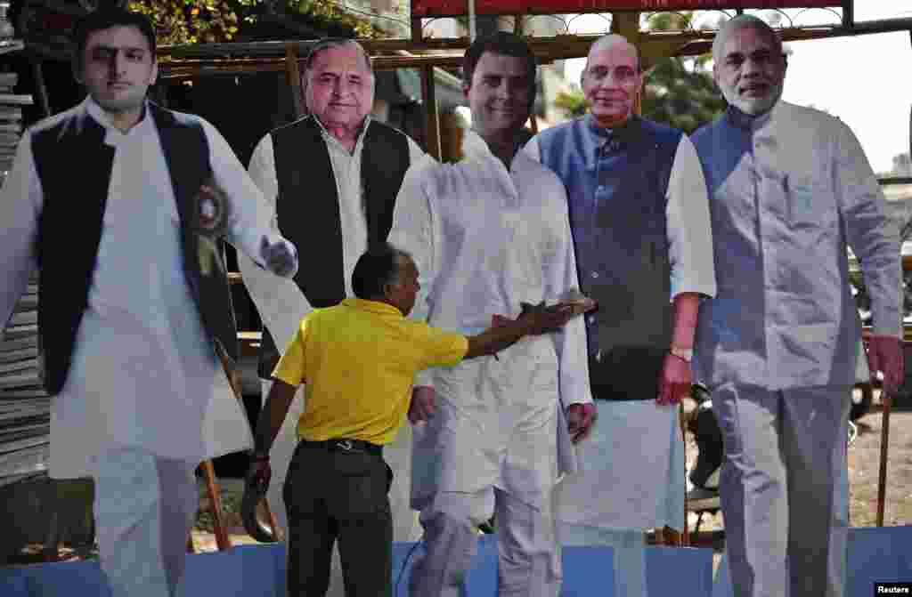 بھارت میں آئندہ ماہ ہونے والےلوک سبھا کے انتخابات کے لیے انتخابی مہم کی گہما گہمی عروج پر ہے۔