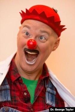 Jay Stewart as bumbling clown handyman Doc Skeeter. (Photo courtesy Dr. George Taylor)