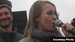 Ксения Собчак на трибуне митинга