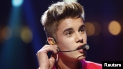 Singer Justin Bieber performs during the Z100 Jingle Ball at Madison Square Gardens in New York, December 7, 2012.