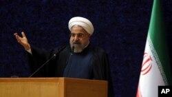 Tổng thống Iran Hassan Rouhani nói đề nghị hưu chiến, đối thoại giữa các phe phái của Yemen và thành lập một chính phủ bao gồm tất cả các bên là giải pháp cho vụ khủng hoảng Yemen.