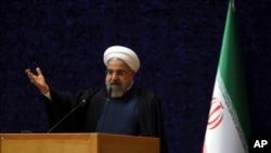 Tổng thống Iran Hassan Rouhani phát biểu nhân ngày 'Ngày Kỹ thuật Hạt nhân' ở Tehran, Iran, 9/4/2015.