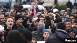 Idlib ahli hukumatdan Madayani qamal qilishni bas qilishni so'rayapti.