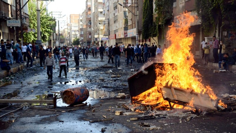 At Least 12 Killed in Clashes Between Turkish Police, Kurds