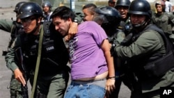 La nota de EE.UU. destaca que desde febrero ha habido al menos 42 muertos en las protestas en Venezuela.