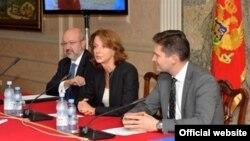 Generalni sekretar OEBS-a Lamberto Zanijer, ministar odbrane Milica Pejanović - Đurišić i predstavnik UNDP-a Rastislav Vrbenski