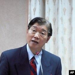台湾外交部长次长沈吕巡
