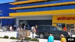 Jaringan pengecer asal Swedia 'IKEA' diijinkan untuk membuka toko di India tapa perlu rekanan lokal.