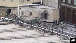 El maquinista del tren, Thomas Gallager, comenzó a trabajar para NJ Transit a la edad de 19 años y llevaba 18 años como maquinista. El choque causó un muerto y más de un centenar de heridos.