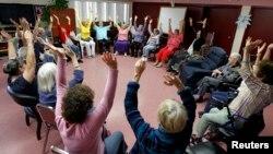 Một nghiên cứu ở Phần Lan phát hiện rằng hai năm tập thể dục, giảm cân, luyện tập trí não và những thay đổi khác giúp cải thiện khả năng nhớ của người tham gia