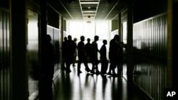 Los centros para el Control y Prevención de Enfermedades realizan la investigación sobre comportamiento riesgoso entre jóvenes cada dos años.