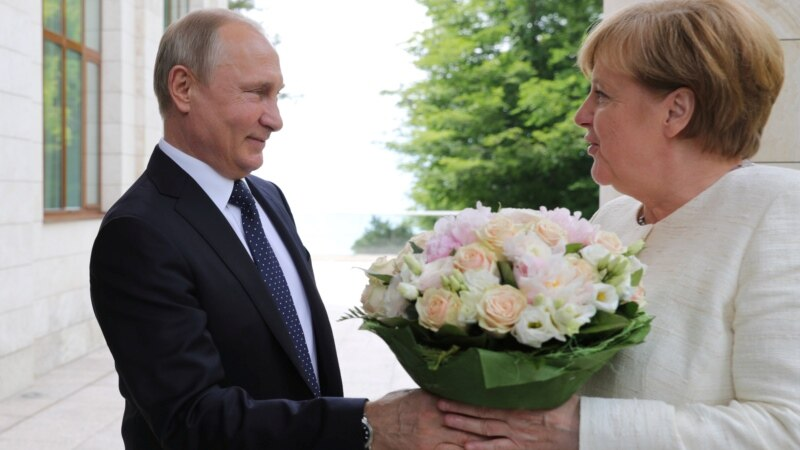 Putin Seeks Common Cause With Merkel Over Trump