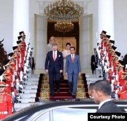Presiden Jokowi dan Raja Belanda Willem Alexander dalam konferensi pers di Istana Kepresidenan Bogor, Selasa, 10 Maret 2020. (Foto: Biro Setpres)