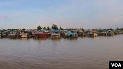 Rivers Etch the Cambodian Way of Life