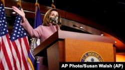 Ketua DPR Nancy Pelosi saat konferensi pers di Capitol Hill di Washington, Kamis, 21 Januari 2021. (Foto: AP/Susan Walsh)